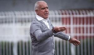Ο Αναστόπουλος έκανε αλλαγές στο 90′ για να μην χάσει τον αγώνα