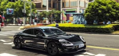 Στην Σαγκάη η Porsche Taycan